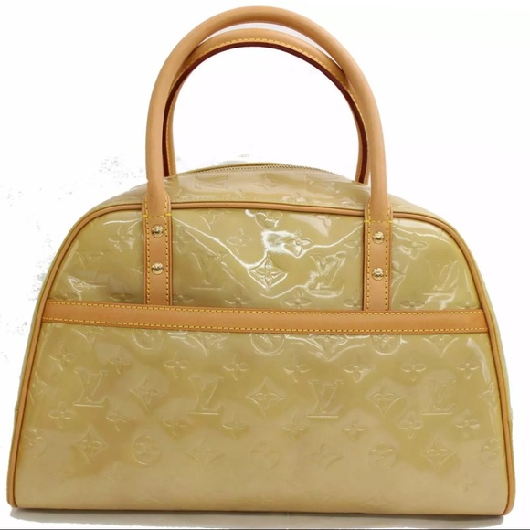 b44a85635bb Louis Vuitton Bags | Monogram Lv Vernis Thompkins Square | Poshmark